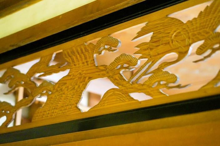 和室の彫刻が可愛い