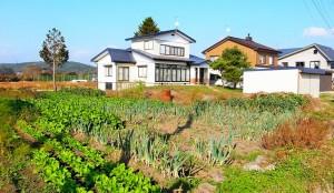 都会の家庭菜園も良いけど、田舎の賃貸物件では畑つきが基本です
