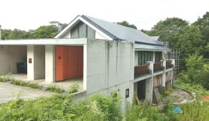 開放感抜群の吹抜けがあるシャープなデザイン住宅