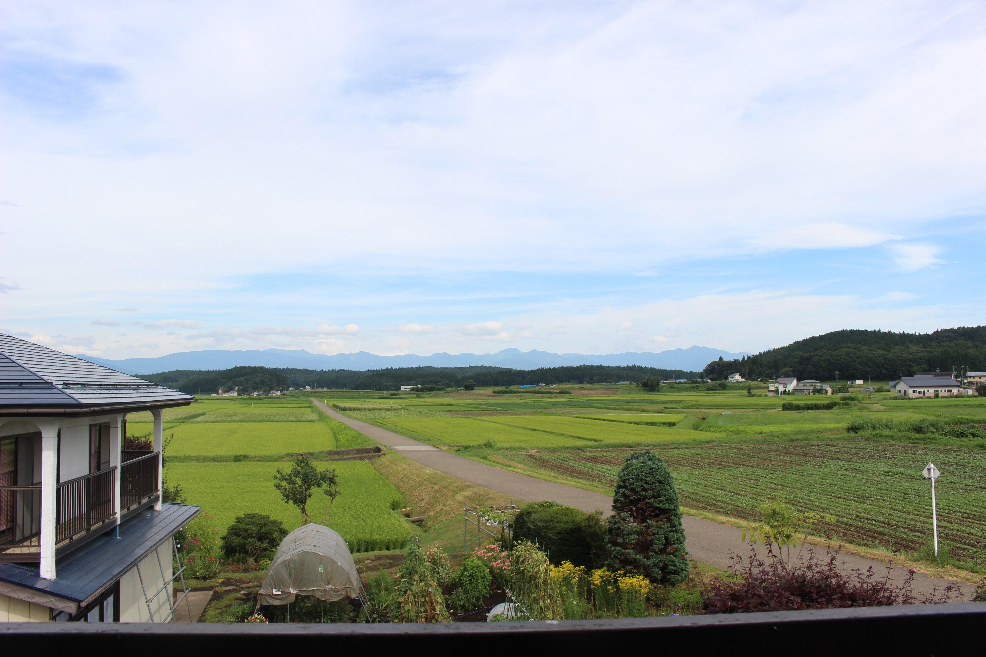 2階から目の前に広がる田園風景、山々!