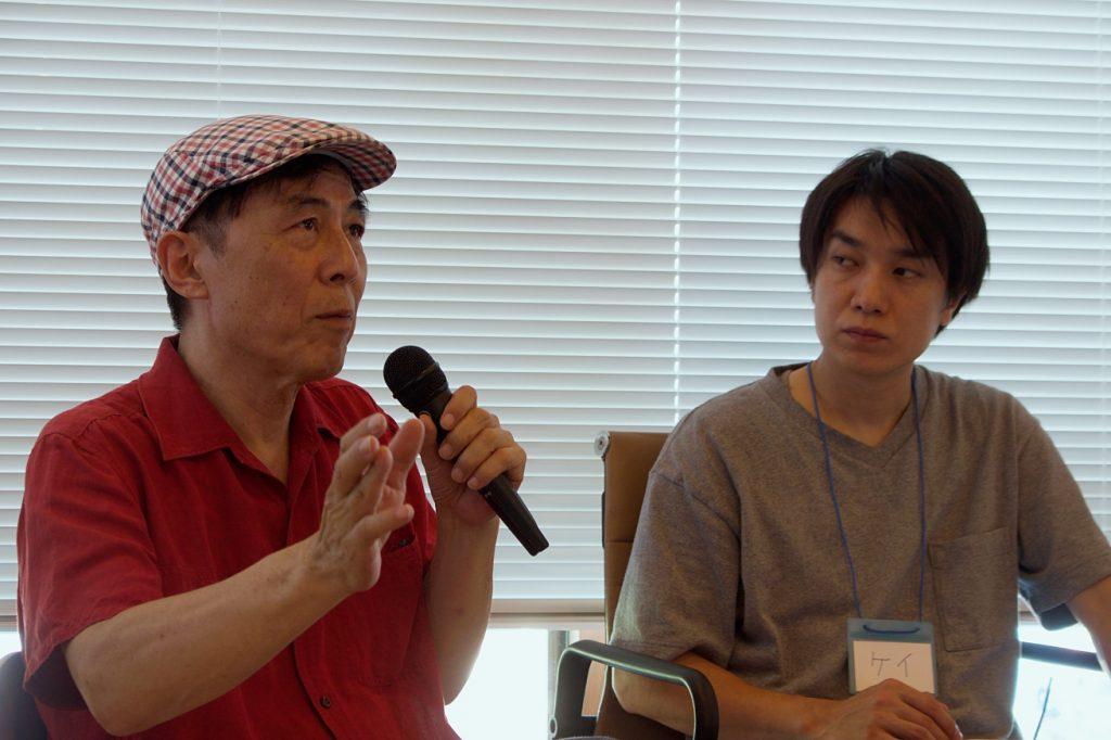 信濃町ライター養成講座で、ゲストの北尾トロさんが話している。