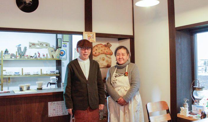 【移住者インタビュー】人と人をつなげる信濃町のリビング「Cafe Soo&Suu...」とは。店主の室橋さんご夫妻に取材しました