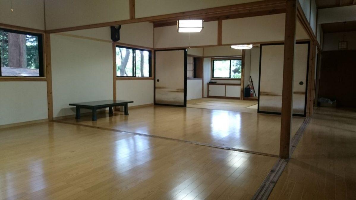 長野県信濃町野尻湖、宇賀神社の社務所