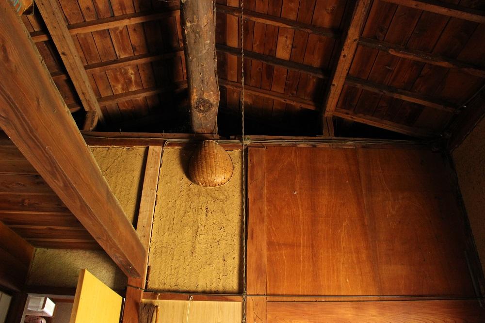 土間の天井